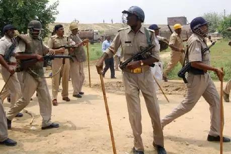 बरेली : कृष्ण जन्माष्टमी पर शोभायात्रा के दौरान पथराव, पांच घायल