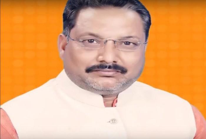 कुशीनगर। बीजेपी विधायक ने अपनी सरकार से बिजली की लचर व्यवस्था को दुरुस्त करने की गुहार लगाई