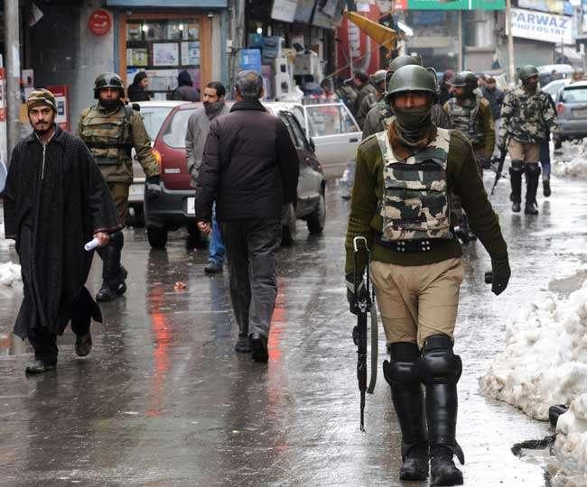 मोदी सरकार ने 10 हजार के बाद जम्मू-कश्मीर 25 हजार अतिरिक्त जवान भेजे