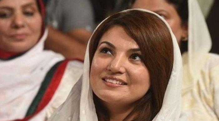इमरान खान पार्टी में महिलाओं को ऊंचा पद देने के लिए उनके साथ सेक्स करते हैं - रेहाम खान