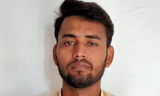 चंदौली- कानपुर मामलें को लेकर अशोभनीय टिप्पणी करने वालेआरोपी प्रशान्त पांडेय को पुलिस ने किया गिरफ्तार। सीएम योगी समेत शहीद पुलिसकर्मियों पर अशोभनीय टिप्पणी की थी।