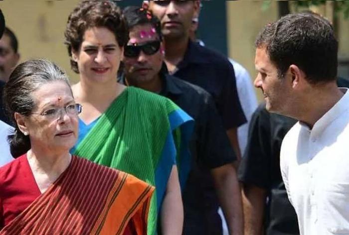 केंद्र सरकार का बड़ा फैसला: सोनिया, राहुल और प्रियंका की एसपीजी सुरक्षा वापस ली जाएगी