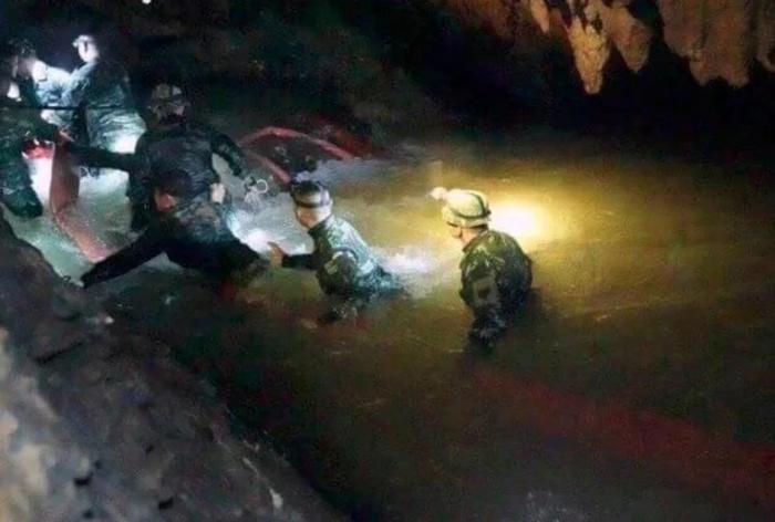 थाईलैंड: गुफा में फंसे 11वें बच्चे को बचाया गया