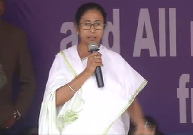 पश्चिम बंगाल में हो सकता है बड़ा उलटफेर, ममता बनर्जी की मुश्किलें बढ़ सकती हैं