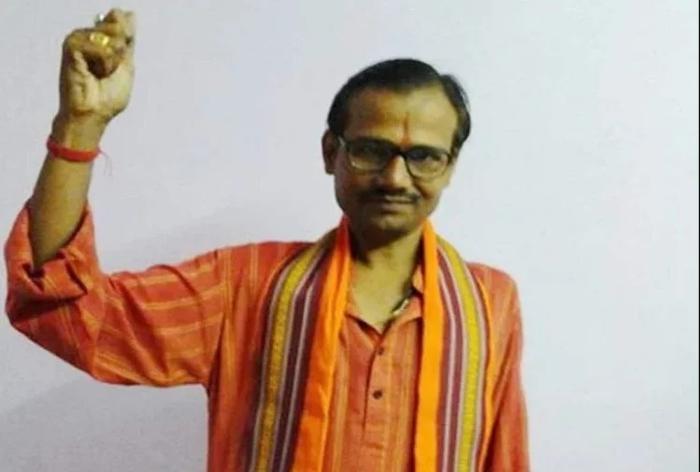 हिंदू महासभा के नेता कमलेश तिवारी की गोली मारकर हत्या
