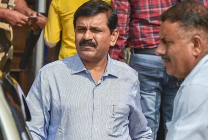 SC एम नागेश्वर राव को लगाई फटकार, कहा 1 लाख का जुर्माना भरें और दिनभर कोर्ट में बैठे रहें