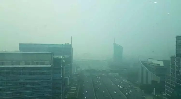 आधे हिंदुस्तान की हवा में घुला जहर, दिल्ली-एनसीआर के हालात बदतर, पीएमओ ने संभाला मोर्चा