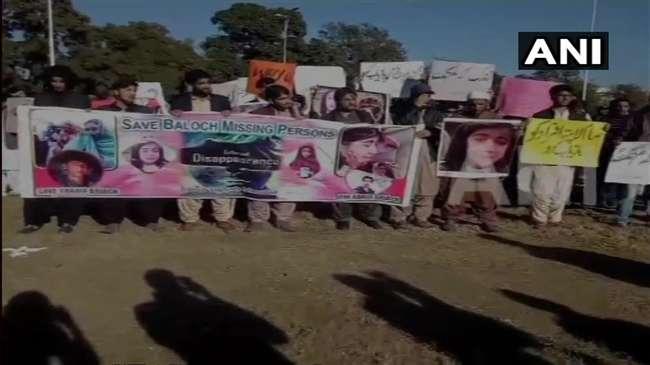 बलूचिस्तान में पाकिस्तान सरकार के खिलाफ प्रदर्शन, सेना पर बड़े आरोप