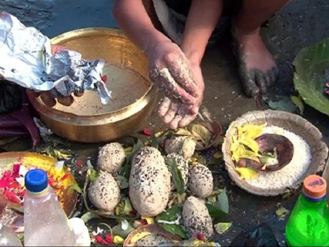 पितृ पक्ष 13 सितंबर से शुरू हो रहे, पूर्वजों को तर्पण से मिलेगा खुशहाली का आशीर्वाद