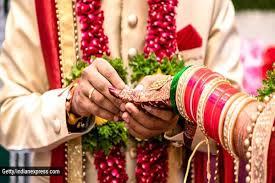 शादियों को बिना अतिरिक्त खर्च के संपन्न करने की परंपरा को बढ़ाएं आगे..!