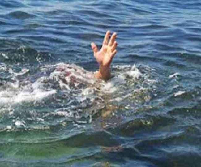 नदी में नहाने गए तीन बच्चे डूबे, एक की मौत