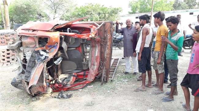 जौनपुर में ट्रक एवं डीजे वाहन में देर रात हुई जोरदार भिड़ंत में चार की मौत