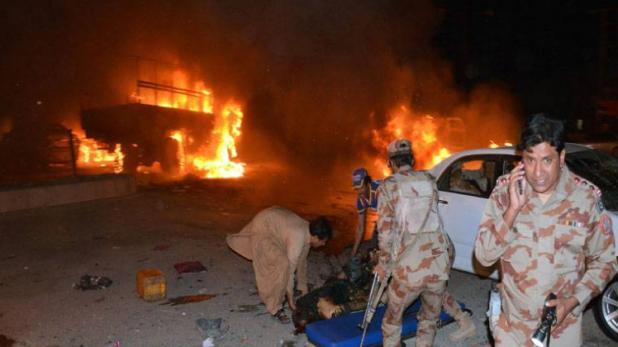 बम धमाकों से दहला पाक, 75 लोगों की मौत, 62 घायल