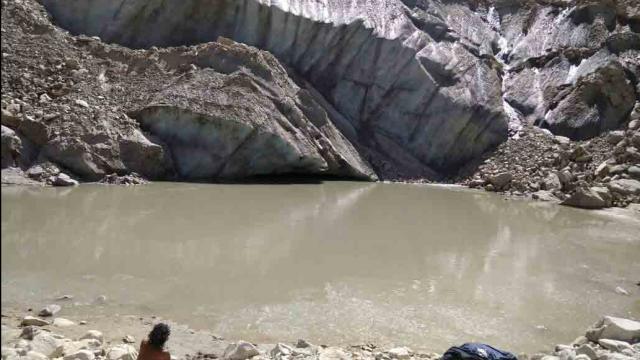 भूस्खलन के कारण गोमुख बनी झील, गंगा की दिशा भी बदली