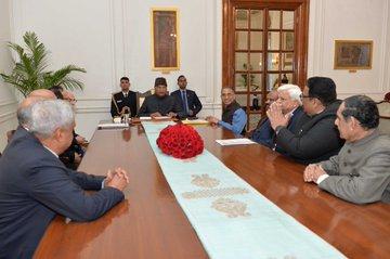 CAA पर 154 पूर्व जजों और वरिष्ठ अधिकारियों ने राष्ट्रपति से लगाई गुहार, उपद्रवियों पर कार्रवाई की मांग