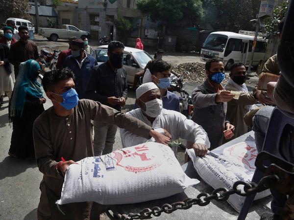 पाकिस्तानी हिन्दुओं के साथ भेदभाव, नहीं दिया जा रहा है राशन,सिर्फ मुस्लिमों को दिया जा रहा राशन