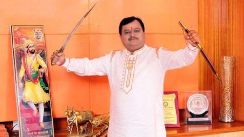 सुरेश चव्हाणके बन सकते हैं महाराष्ट्र के उपमुख्यमंत्री - सोशल मीडिया पर हो रही वायरल खबर